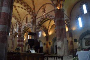 089-interno della chiesa