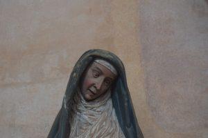 102-la madonna con lo sguardo impietrito